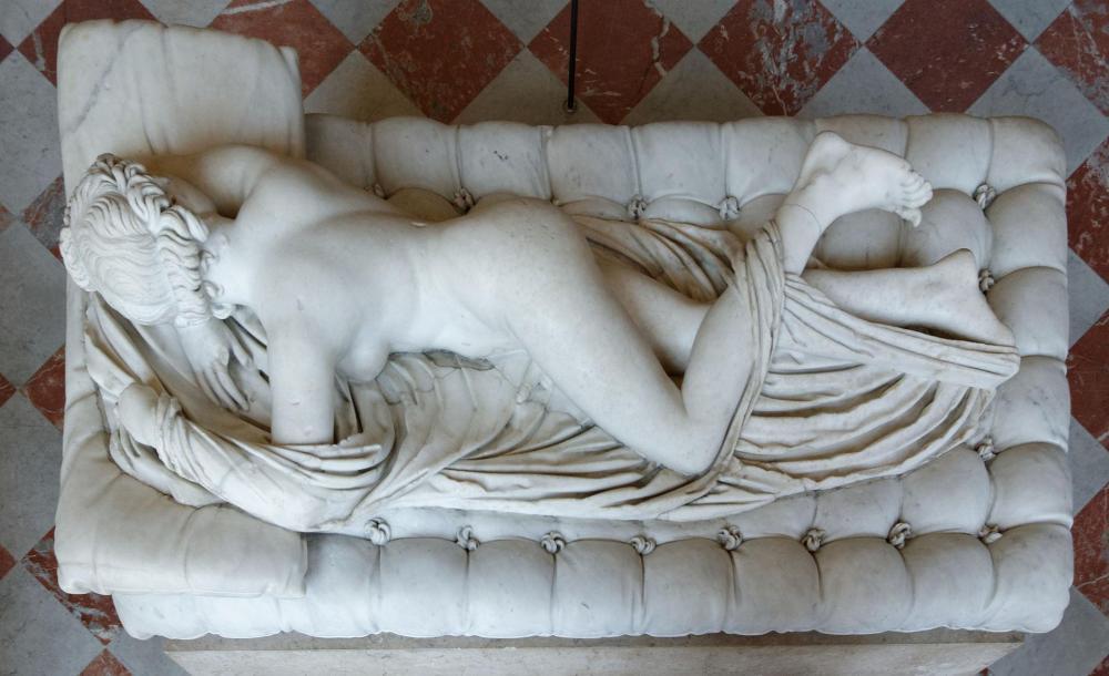 Louvre_-_Sleeping_Hermaphroditus_03.jpg