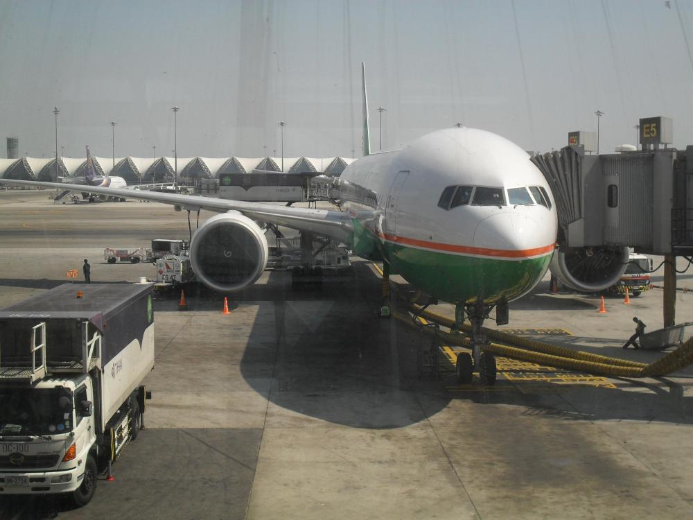 Eva Air BK Airport 5th Jan 2012.jpg